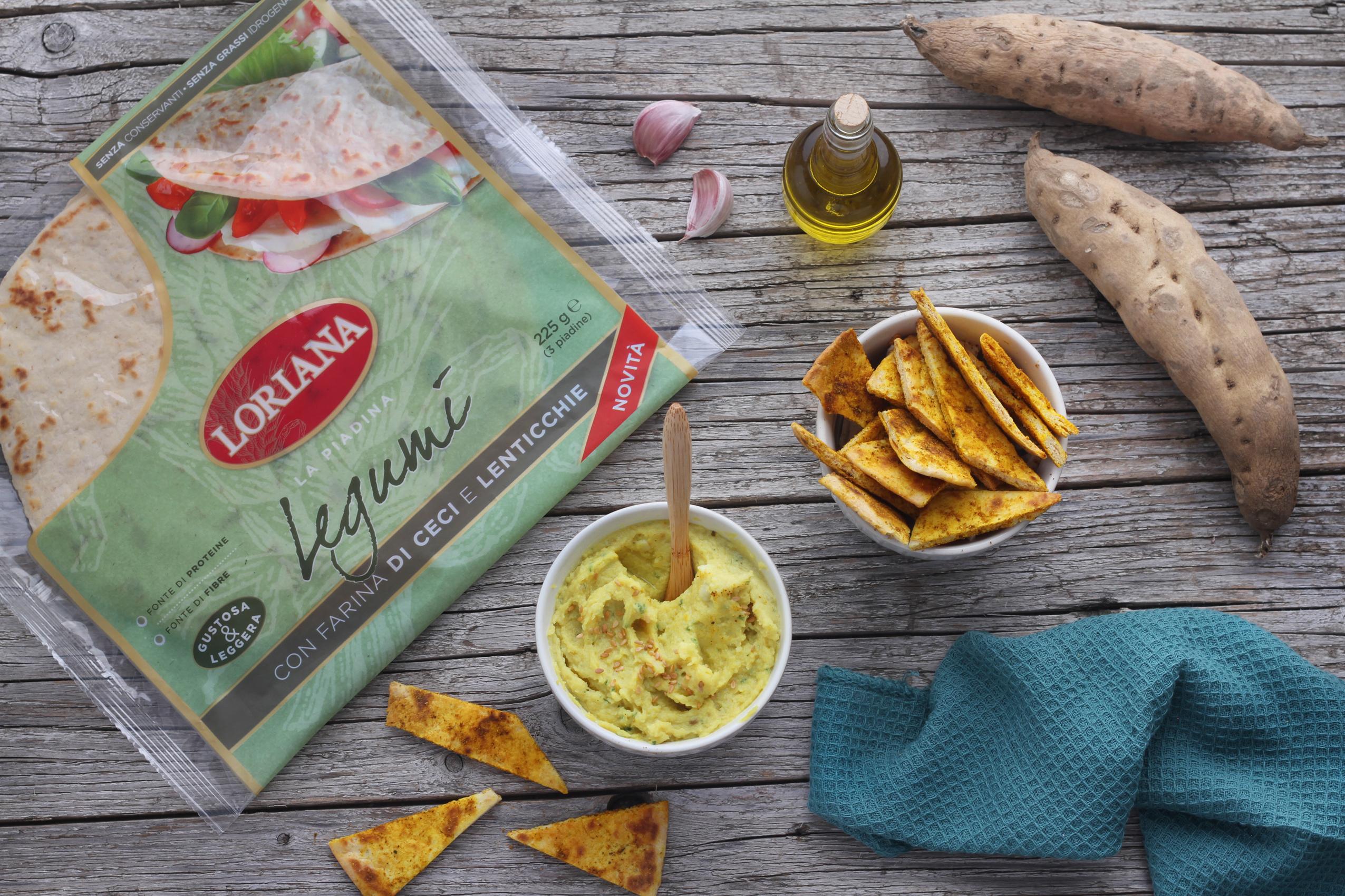 Hummus di patate dolci con chips di piadina ai legumi speziata